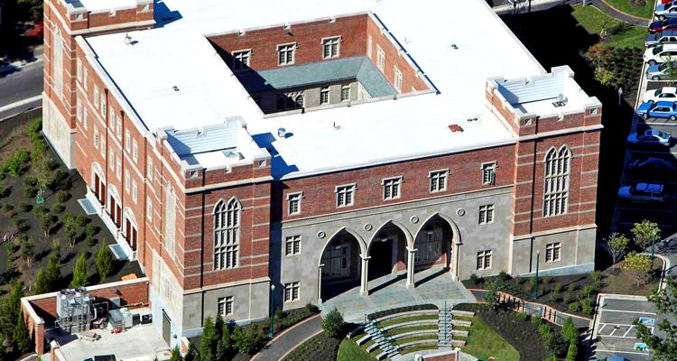 Taylor & Parrish Carole Weinstein Center at University of Richmond